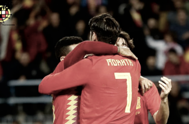 Azpilicueta y Morata apuntalan un récord en la Premier League
