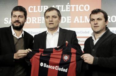 Aguirre en su presentación junto a Matías Lammens y Bernardo Romeo | Foto: La Nación