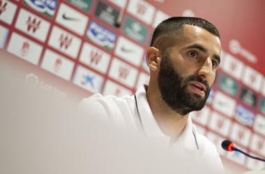 Gonalons ha atendido a los medios en su presentación como futbolista del Granada CF. Foto: Antonio L Juárez