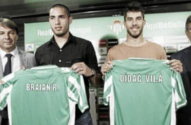 Didac Vilà y Braian Rodríguez, presentados como jugadores béticos (Foto de www.realbetisbalompie.es).