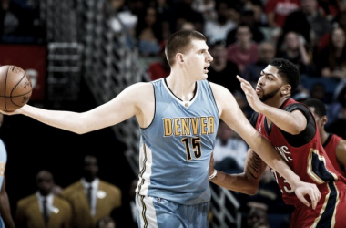 Nikola Jokic contra Anthony Davis. Fuente: NBA.com