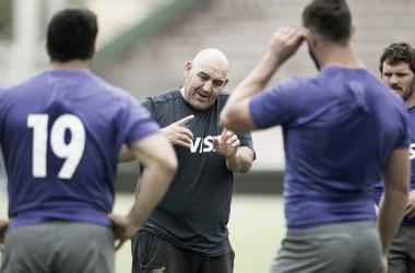 Mario Ledesma, enérgico, a pura indicación durante el Captain's Run. Crédito: Gaspafotos/UAR.