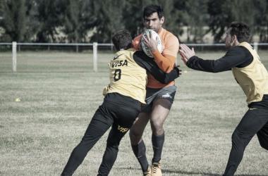 Matías Orlando, uno de los que más participó en Jaguares y Pumas durante este primer semestre, esperará su momento en el banco de suplentes. Crédito: UAR.