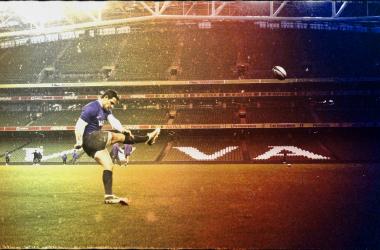 <div>Clima fresco, lluvioso. Así recibió Dublín a los Pumas. Aquí, Nicolás Sánchez, una de las máximas figuras de estos Pumas. ¿Seguirá en el seleccionado una vez que parta rumbo al Francia? Crédito: UAR.</div>