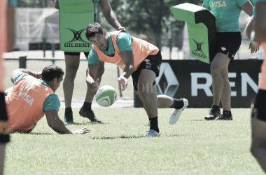 Tomás Cubelli, exjugador de Brumbies e ícono de los Pumas durante los últimos años, jugará su primer partido con la indumentaria negra y naranja. Crédito: Jaguares.