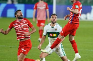 Imagen del partido de la primera vuelta entre Granada CF y Elche CF | Foto: Pepe Villoslada / Granada CF