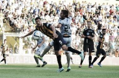"""La Usina Central ""del fútbol local contra la Presión asfixiante del Carminatti (Foto: AurinegroWeb)"