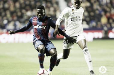 Un Levante muy superior no puede con el Real Madrid