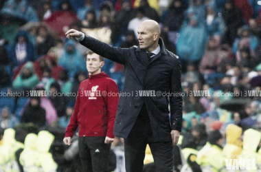 Zidane dando instrucciones | Foto: Daniel Nieto (VAVEL)