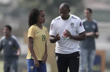 Contra Colômbia, Brasil sofre a primeira derrota no Sul-Americano
