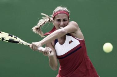 Puig em ação contra Kvitova/ Foto:Zimmer/Guibilo/ ITF