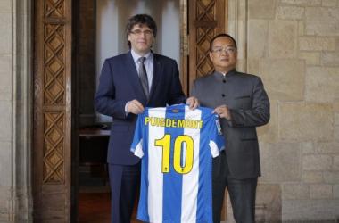 Puidemont y Chen en la foto de rigor. Foto: RCD Espanyol.