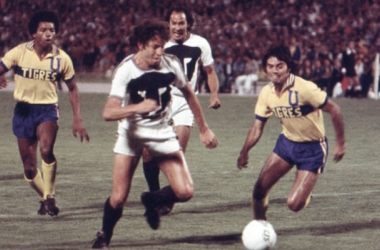 Tigres y Pumas se enfrentan en la Gran Final de la campaña 1977-78 (Foto: Récord)