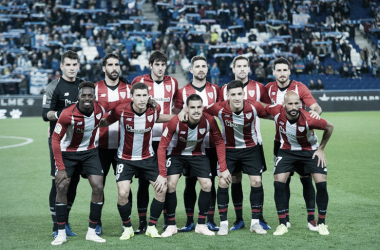 Los jugadores del Athletic posan antes del partido | Fotografía: Athletic Club