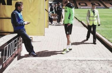Pedro León y Lafita antes del partido ante el Port Vale. Foto: @OfficialPVFC