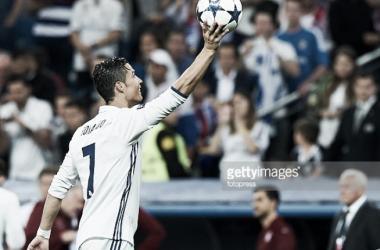Ronaldo empurra Real para as meias da Champions.