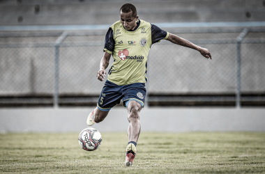 Willians Santana ressalta luta do elenco do Confiança e adaptação ao novo técnico