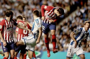Álvaro Morata remata un balón aéreo || FOTO: Club Atlético de Madrid.