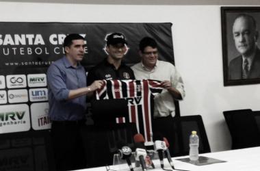 Rocha contará com um elenco reduzido em 2018 (Foto: Divulgação / Santa Cruz)