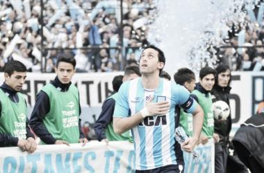 Milito marca em despedida e Racing vence Temperley na última rodada do Argentino