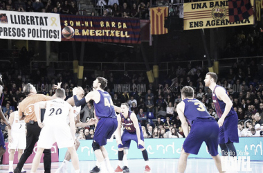 Resumen FC Barcelona Lassa vs Real Madrid  tercer partido Play-Off ACB