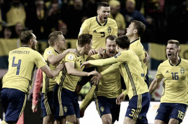 Selección de Suecia tras vencer 1 a 0 a Italia. Fuente: Fifa.com
