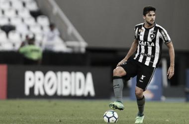 """Igor Rabello mostra indignação com pênalti contra o Botafogo: """"Ficou claro que não foi"""""""