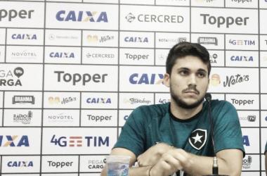 """Rabello não repreende protestos da torcida do Botafogo após eliminação: """"Tem todo direito"""""""