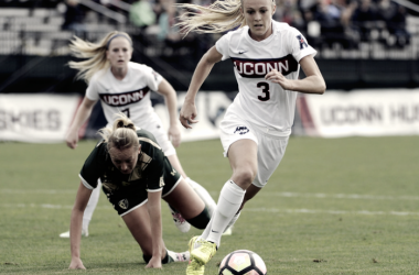 Rachel Hill playing for University of Connecticut (Photo: The Daily Campus/ Jason Jiang)