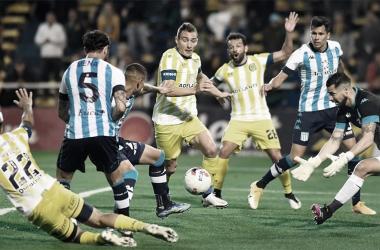 El equipo Rosarino amargó el debut de Gago en el banco celeste y blanco. (Foto: Web)