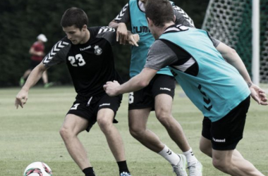 Preparación intensiva de la defensa en el entrenamiento