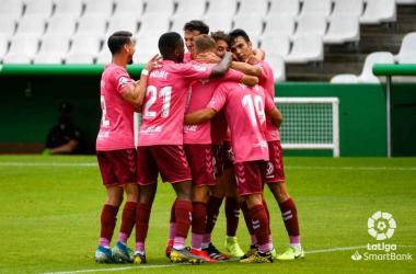 Racing Santander 1-2 CD Tenerife: Visitors go one step closer to survival in LaLiga SmartBank