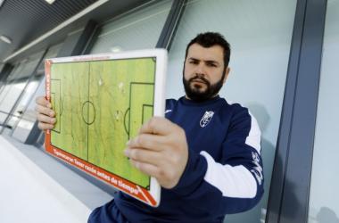 Rafa Morales es el nuevo entrenador del Granada B   Foto: Pepe Villoslada / Granada CF