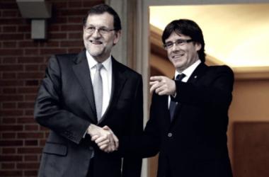 Mariano Rajoy y Carles Puigdemont en la Moncloa // Foto de google.com