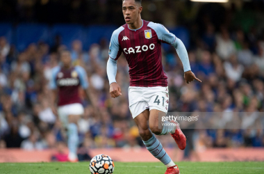 Jacob Ramsey driving forward against Chelsea (Photo by Visionhaus/Getty Images)
