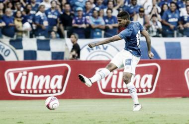 Raniel marcou os dois gols da vitória do Cruzeiro sobre o Patrocinense nas quartas de final do Mineiro (Foto: Washington Alves/Light Press/Cruzeiro)
