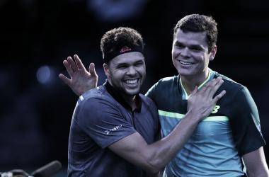 Encontro na rede foi de muita cordialidade entre os tenistas (Foto: Divulgação/Rolex Paris Masters)