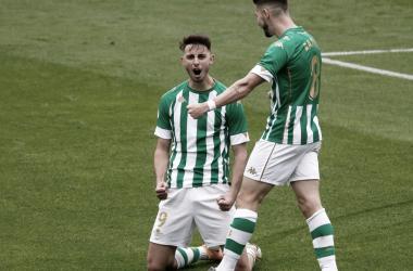 Rául García celebra uno de los goles del triunfo en el Betis Deportivo- Poli Ejido. Foto: @raulgdh9
