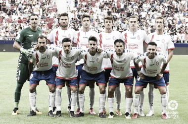 Jugadores del Rayo Majadahonda antes del partido ante el Mallorca. | FOTO: LaLiga 1|2|3
