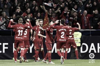 Osasuna celebra el gol junto a la afición desplazada. Foto: LaLiga 123