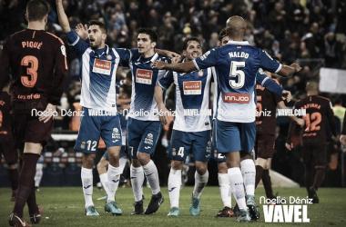 Los jugadores pericos celebran su última victoria contra el FC Barcelona / Foto: Noelia Déniz (VAVEL).