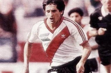 Se cumplen 35 años del debut de Ramón Díaz en River