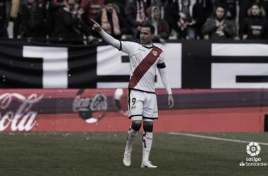 Raúl de Tomás tras su gol ante el Valencia \ Fotografía: LaLiga Santander