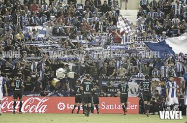 Los jugadores de la Real celebran el tanto de Willian José | Foto: Gema Gil / Vavel.com