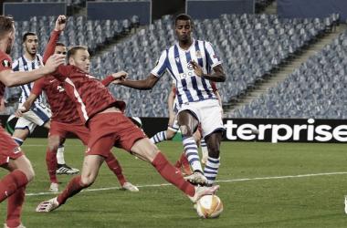 Real Sociedad controla partida e vence AZ Alkmaar com tranquilidade