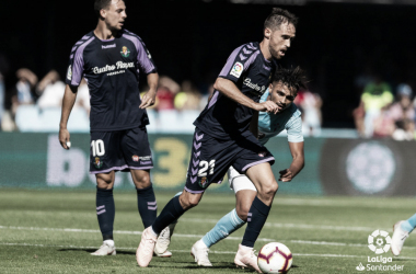 Míchel controla el balón ante el Celta | LaLiga Santander