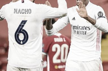 Nacho y Militao celebran el pase a semifinales. |Foto: @realmadrid