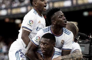 Real Madrid festejó en el Camp Nou | Foto: Real Madrid