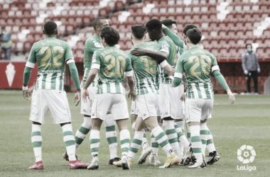 Los jugadores del Betis celebran uno de los goles del Sporting-Betis.Foto:LaLiga Santander