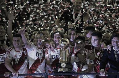 Última Copa internacional que el Millonario disputó y fue campeón ante Independiente Santa Fe.